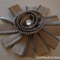 The Daylily Zipper Flower