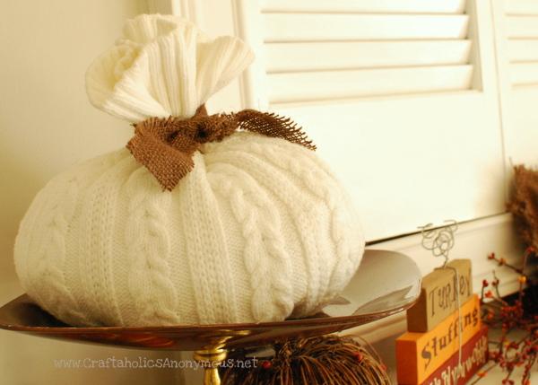 pedestal pumpkin stand