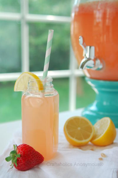 make strawberry lemonade