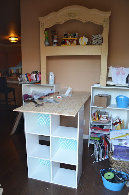 assemble craft nook - before