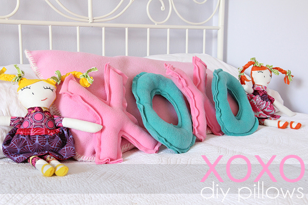 Adorable XOXO pillow sewing tutorial - perfect for Valentine's day!