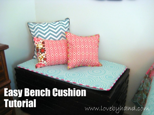 Easy bench seat cushion tutorial - quick sewing project!