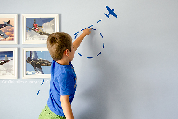 boy airplane room
