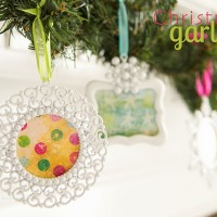 5 Easy Christmas Crafts with Ornament Frames