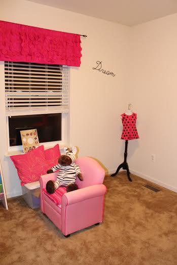 kid friendly craft room