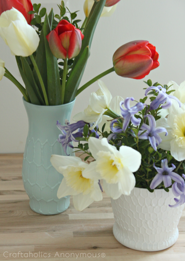 honeycomb vases. Easy to follow DIY tutorial! click for details.