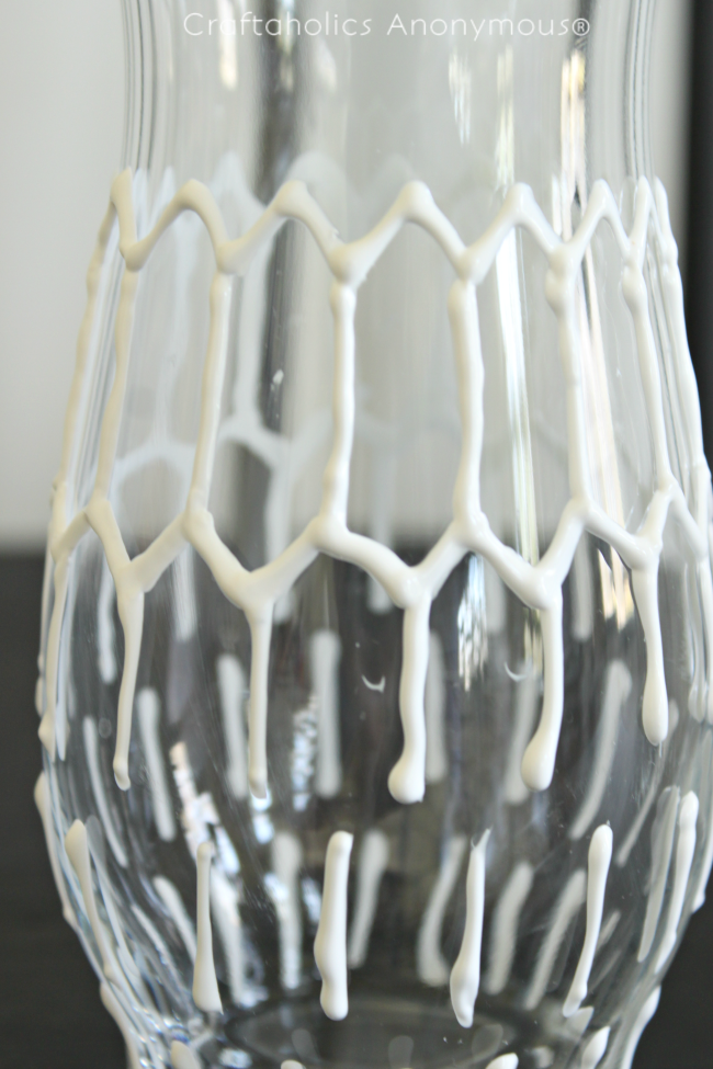 DIY hexagon vase. This is super neat and so easy! Click for tutorial.