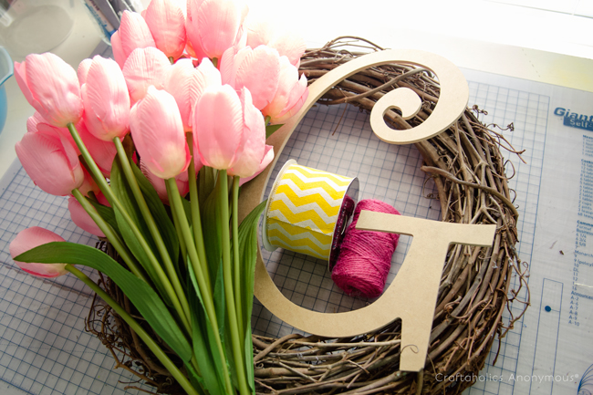 how to make a monogram wreath tutorial