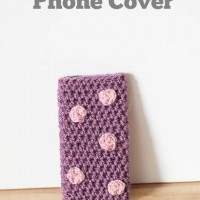 Crochet Phone Cover with Polka Dots