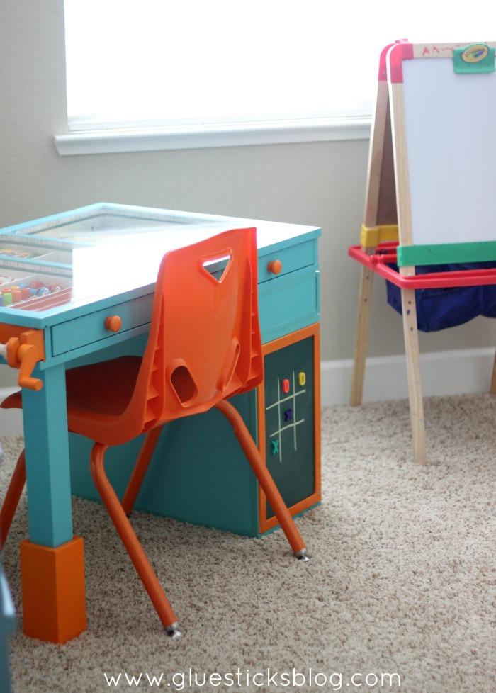 kids crafting room