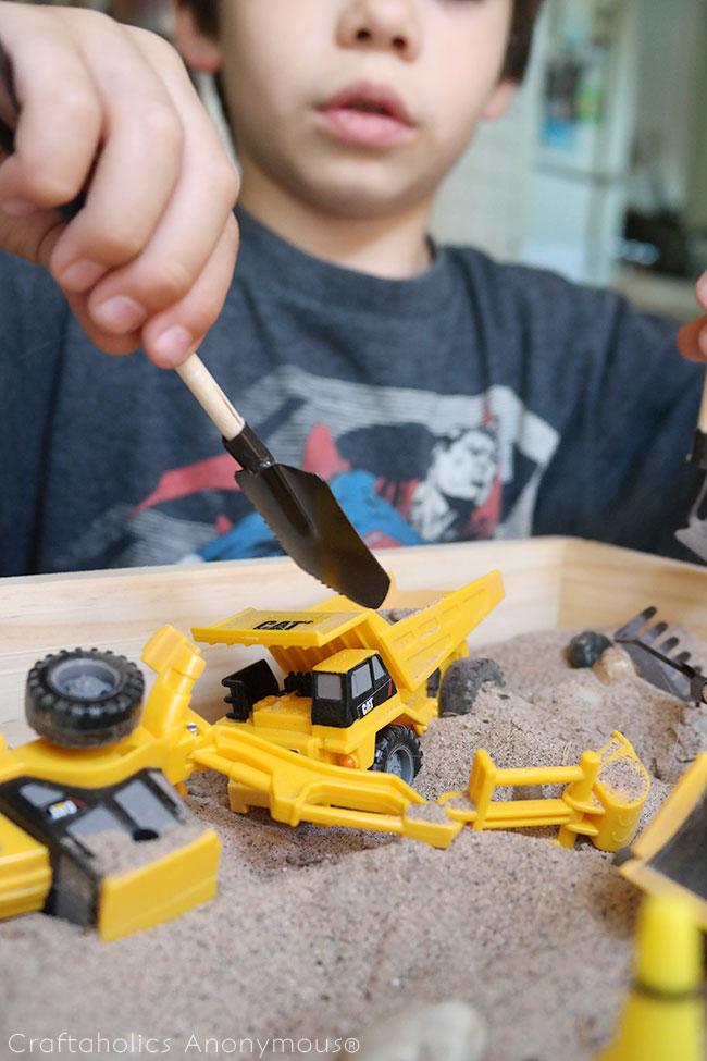 Kids Travel Sandbox. Such a great handmade gift idea for under $10.