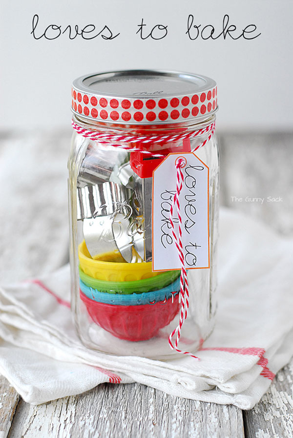 Loves_To_Bake_Gifts_In_A_Jar