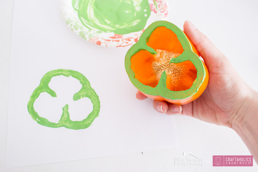 Use A Bell Pepper As A Shamrock Stamp-3