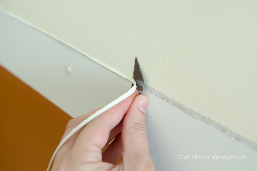 How to remove caulking from a wall DIY