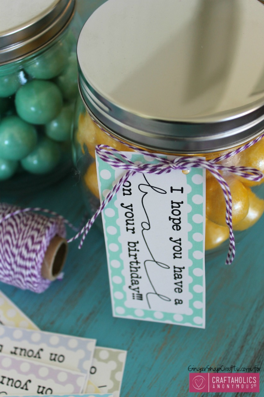 Mason Jar gift idea  with free printables :: birthday