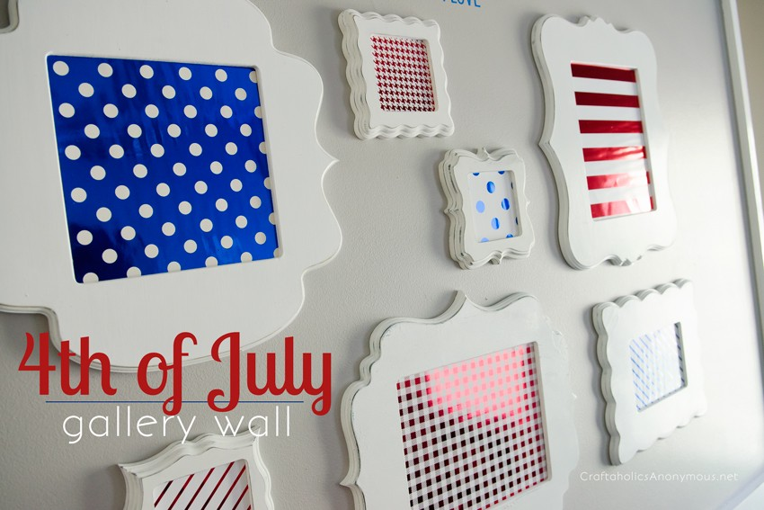 Easy 4th of July Gallery Wall || So festive and patriotic! Love all the different patterns she used.