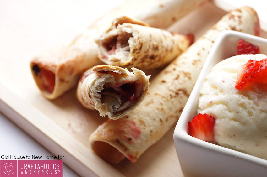 An easy summertime dessert! Strawberry and Nutella Cheesecake Flautas