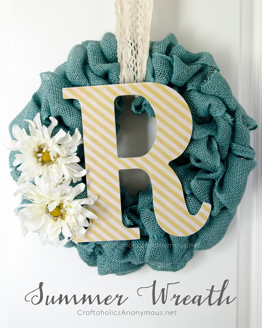 Summer Burlap Wreath with Monogram || Cute, easy and perfect for year round actually.