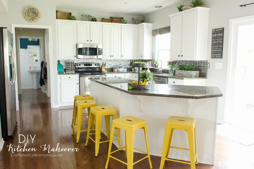 DIY Kitchen Makeover :: painted white cabinets are easier than I thought!