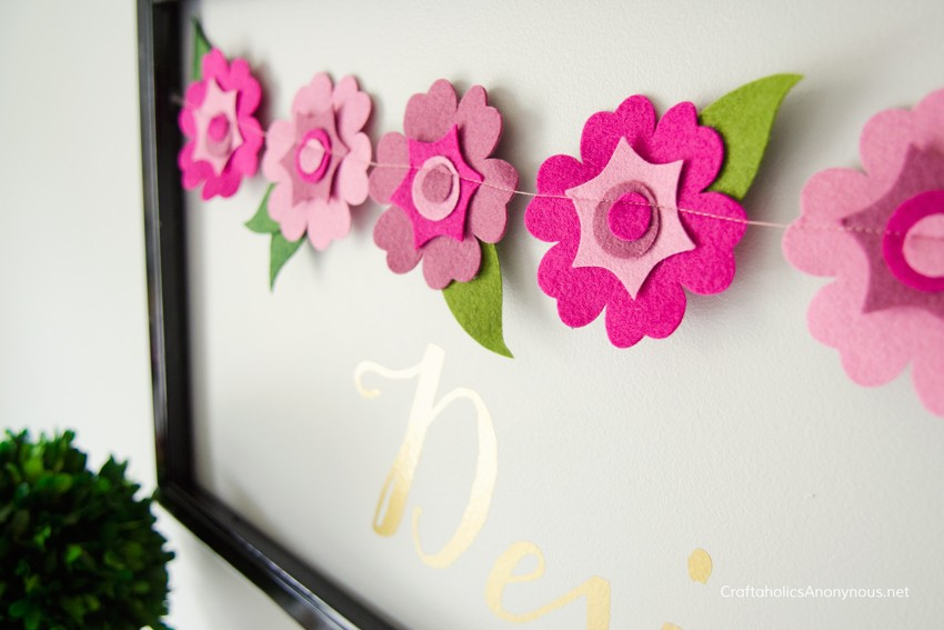 Felt Flower banner || Article shares a create tool that cuts felt cleanly.