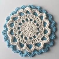 Crochet Doily Trivets || Free Pattern