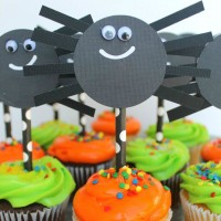 Easy Halloween Spider Cupcake Toppers