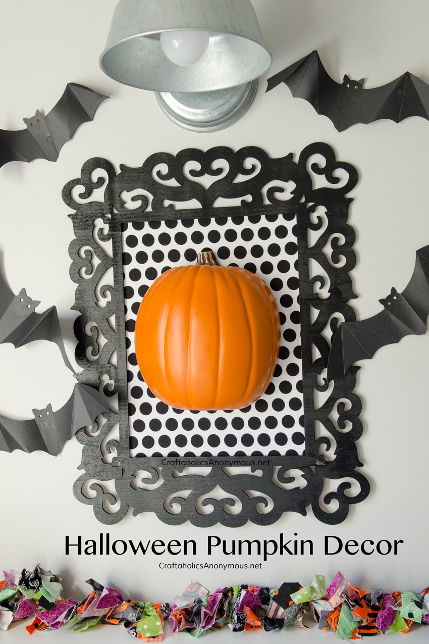 framed-halloween-pumpkin-decor