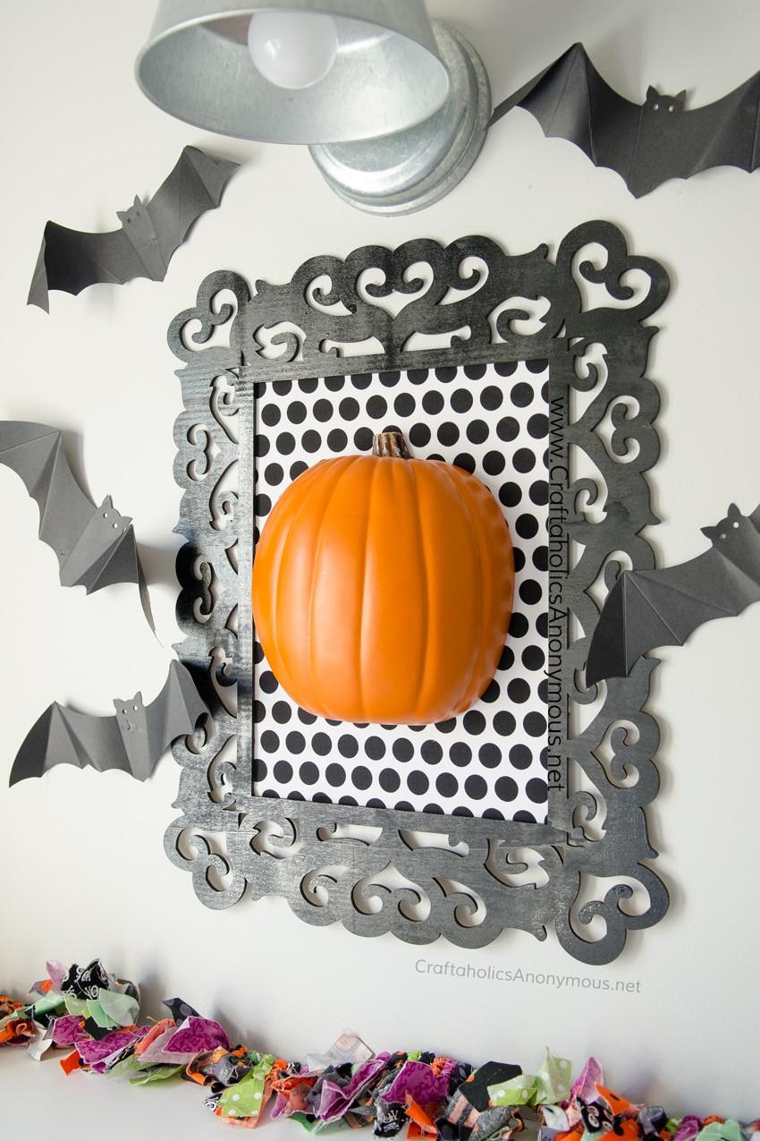 DIY Framed Pumpkin Halloween Decor Craft idea