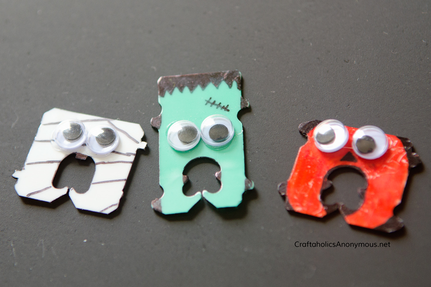 Halloween Bread Tags || Mummy, Frankenstein, and Jack-o-lantern. Reuse plastic bread tabs and turn them into something fun!