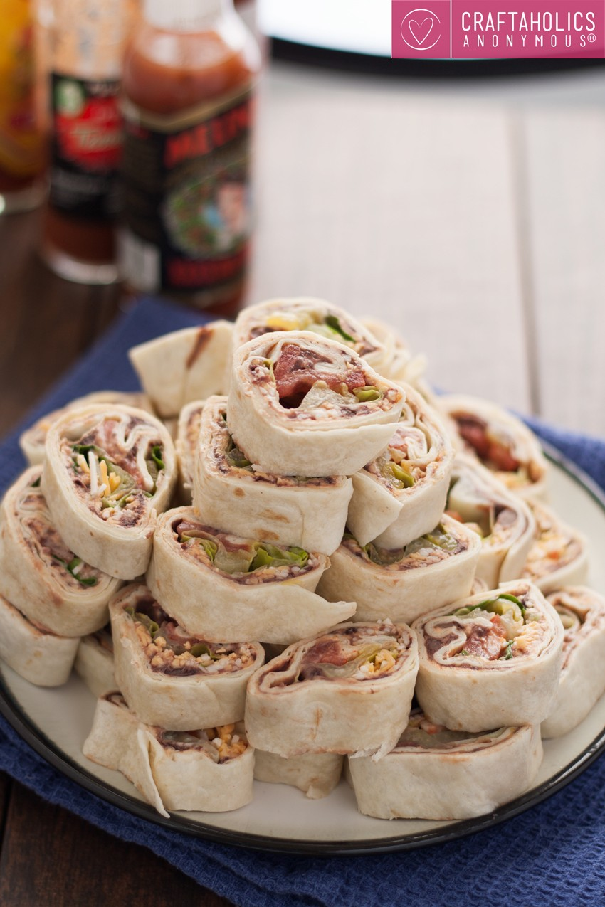 Delicious Vegetarian Taco Pinwheels recipe and instructions. Fantastic appetizer!