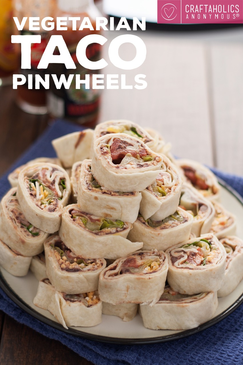 Vegetarian Taco Pinwheels recipe || great appetizer and party pleaser finger food!
