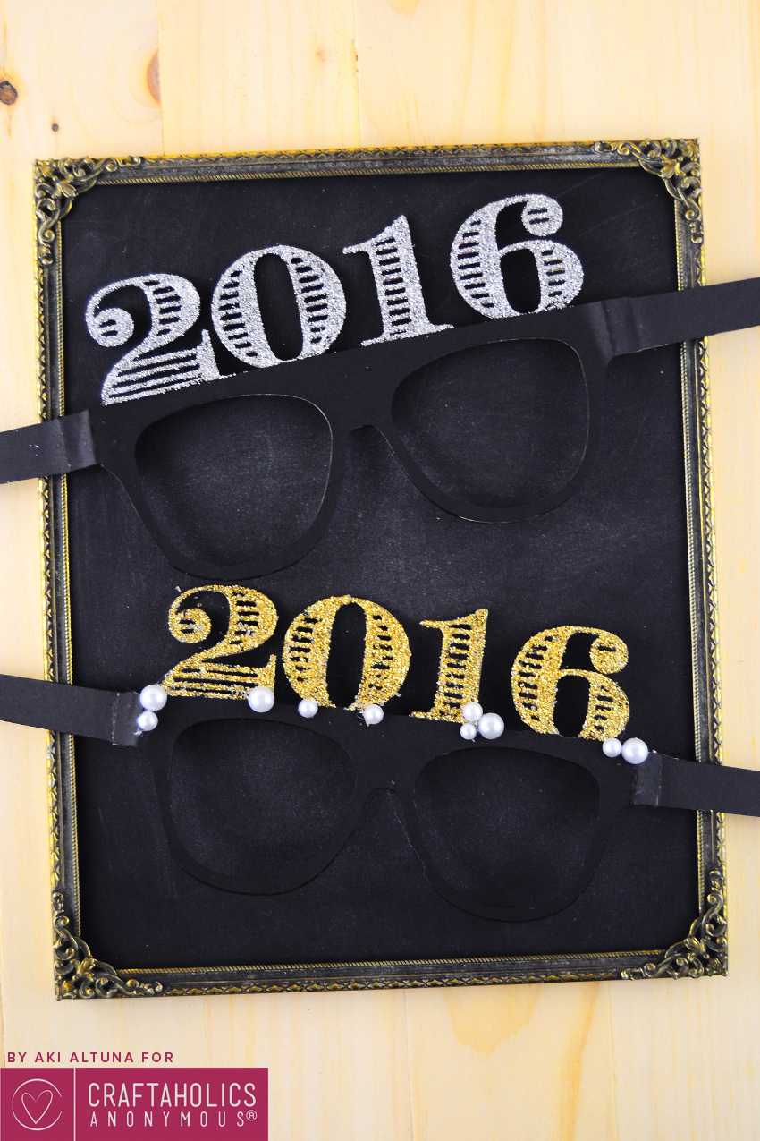2016-New-years-eve-glasses-photo-prop-minted-strawberry-1