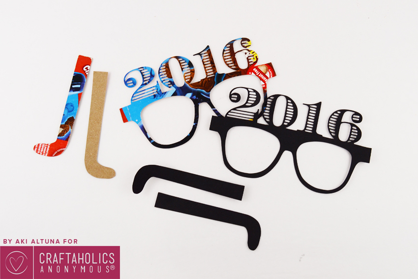 2016-New-years-eve-glasses-photo-prop-minted-strawberry-10