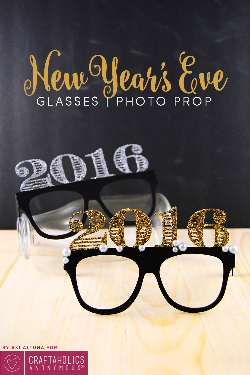 2016-New-years-eve-glasses-photo-prop-minted-strawberry-2