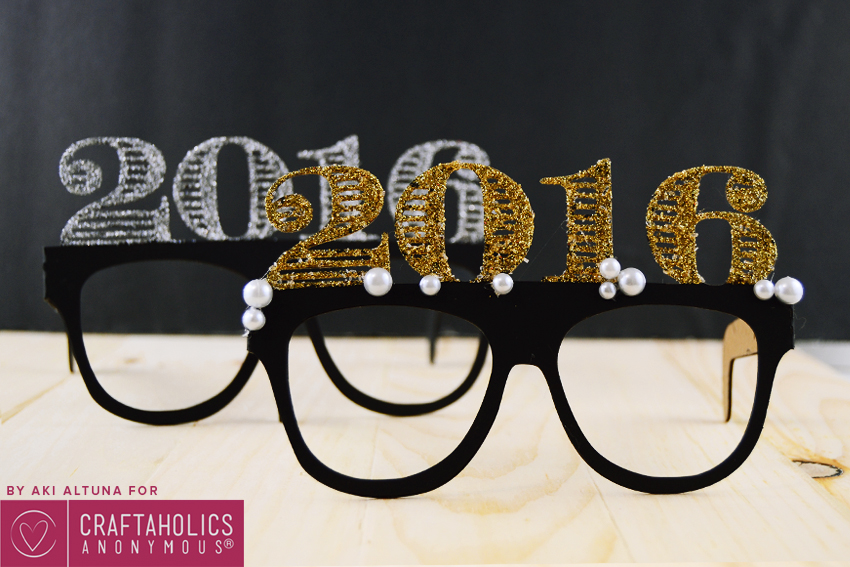 2016-New-years-eve-glasses-photo-prop-minted-strawberry-3