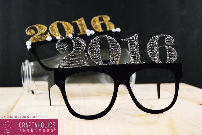 2016-New-years-eve-glasses-photo-prop-minted-strawberry-4