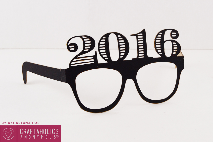 2016-New-years-eve-glasses-photo-prop-minted-strawberry-9