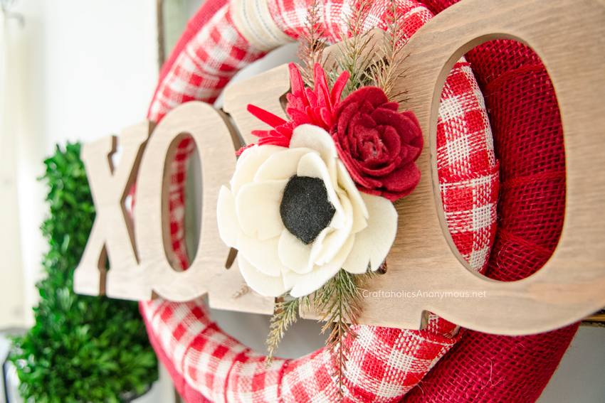 DIY Felt flowers on a Valentine Wreath