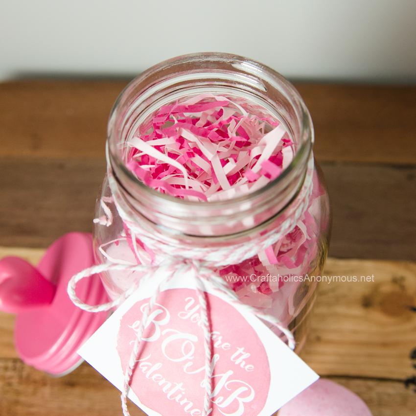 Handmade Valentine gift idea. Valentine in a Mason Jar!