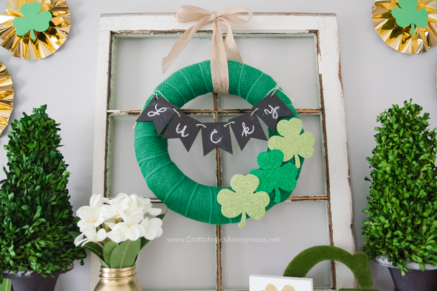 St. Patrick's Day Wreath tutorial. Costs under $15 to make. Check out the rest of this amazing mantle!