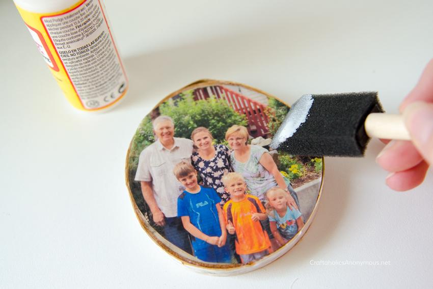 Wood Slice Photo Ornament tutorial