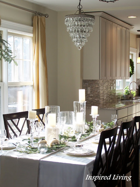 17-christmas-tablescapes-inspired-living