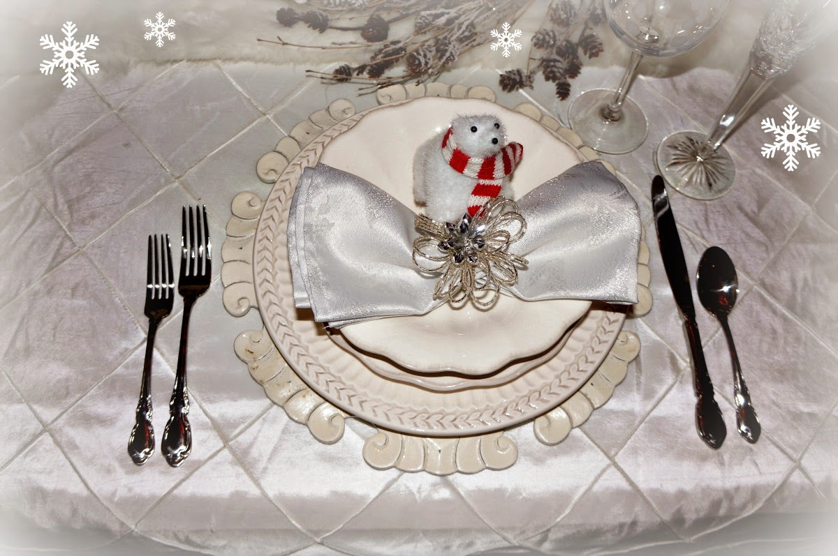 25-christmas-tablescapes-life-and-linda
