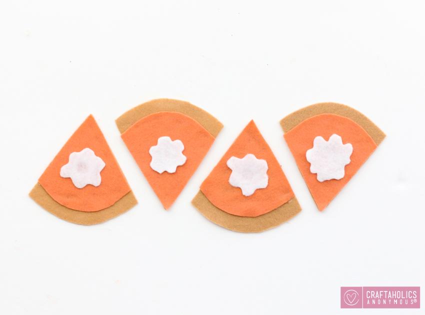 Easy Felt Pumpkin Pie Coasters
