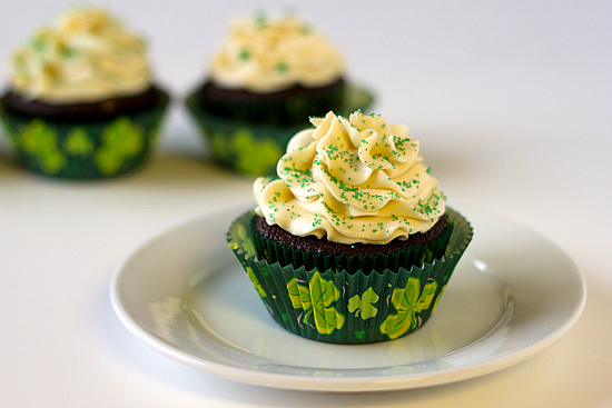 4 St. Patrick's Day Cupcakes Brown Eyed Baker