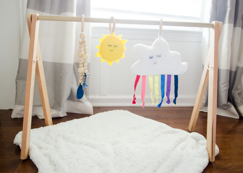 Baby Gym DIY Tutorial with plans and free printable patterns for the hanging toys @CraftaholicAnon