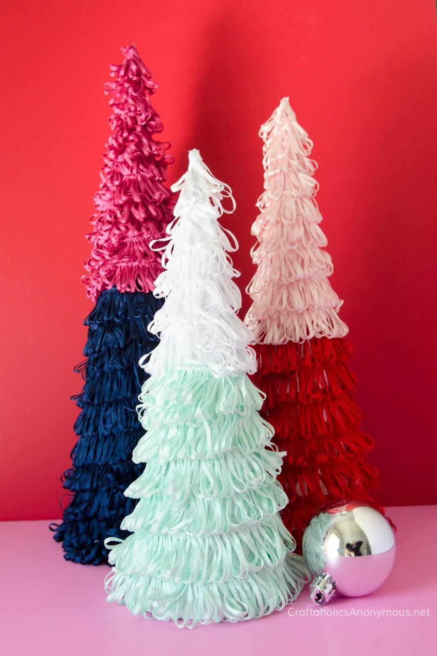 Color block modern Christmas tree craft idea