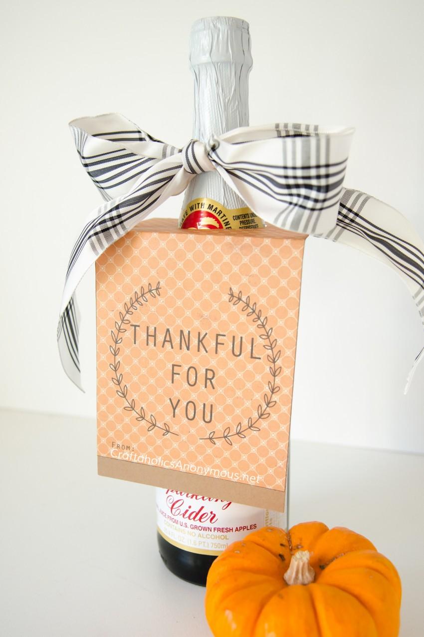 DIY Teacher or Hostess Thanksgiving gift idea || Free Printable tag