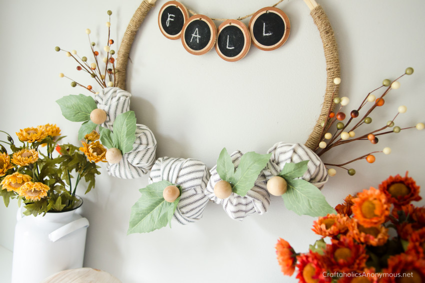 Farmhouse Wreath DIY idea :: Fall Wreath tutorial