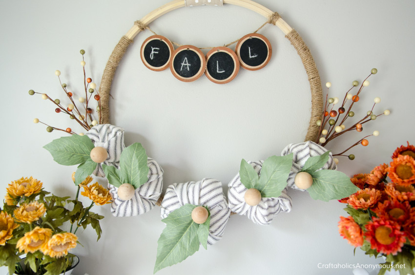 DIY Fall Embroidery Hoop :: LOVE the farmhouse style!